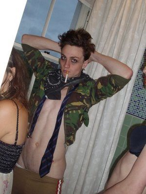 Aaron Johnson Gets His Kit Off (Again!) image