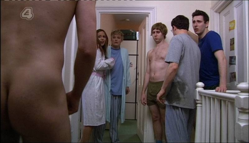 Joe Thomas Shirtless & Naked in Inbetweeners image