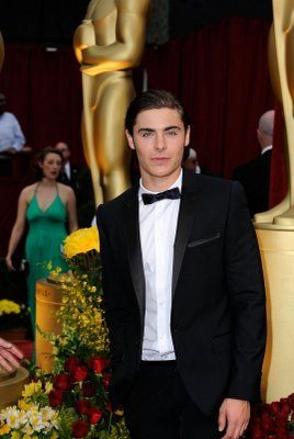 Zac Efron at the Oscars image
