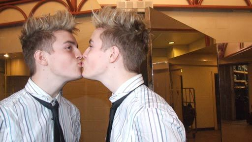 Jedward Kissing