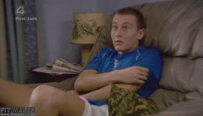 Shameless 17 March 2009:Elliot Tittensor Erection!