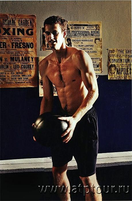 Andy Murray Shirtless and Playing Football