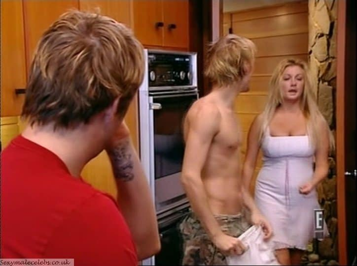 Aaron Carter Shirtless In House Of Carters
