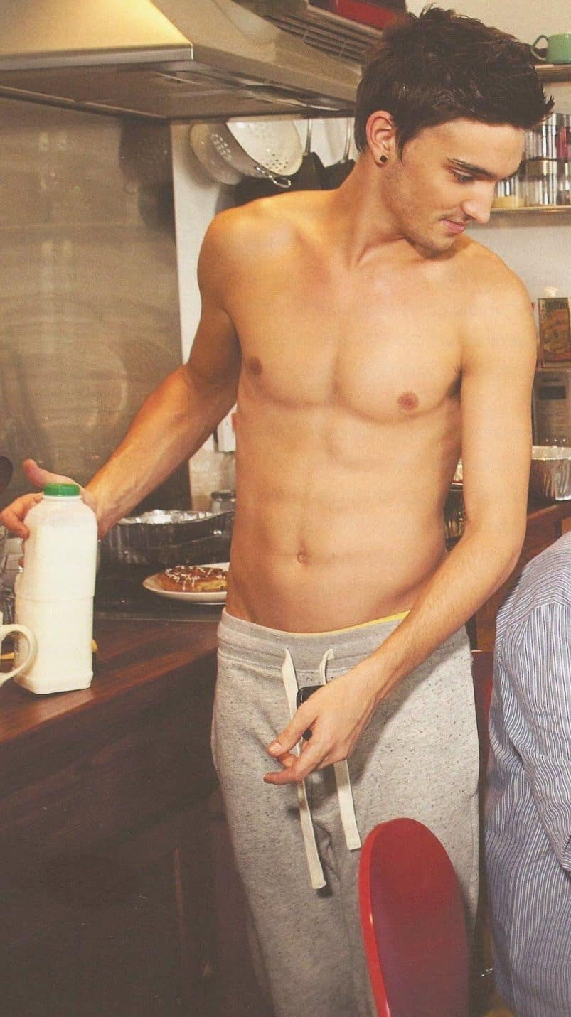 Tom Parker From The Wanted Shirtless image