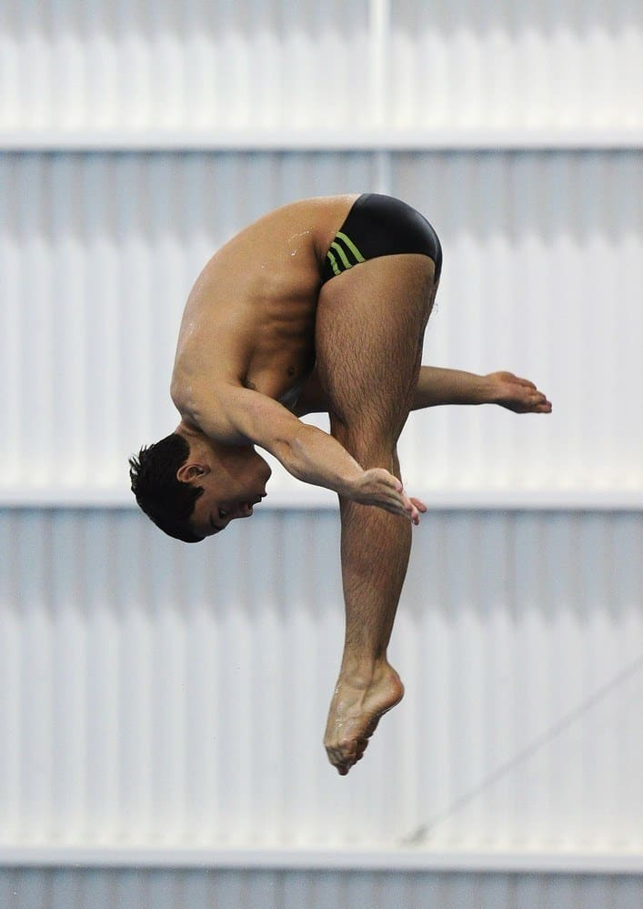 Tom Daley Diving Shirtless In Speedos