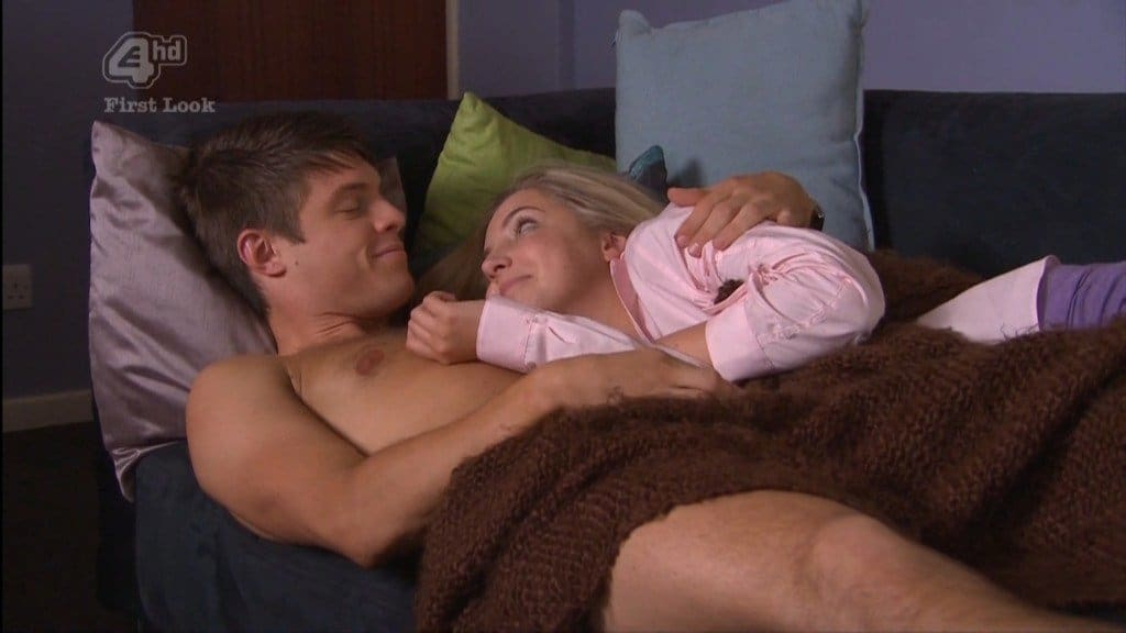 New Craig Vye Shirtless In Hollyoaks