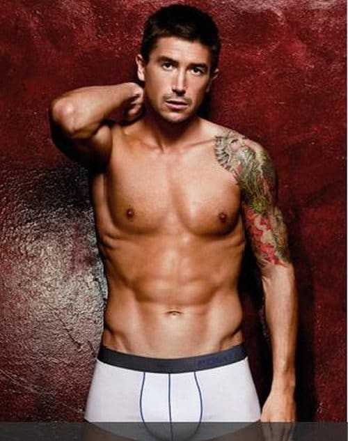 Harry Kewell Shirtless In Just Underwear image
