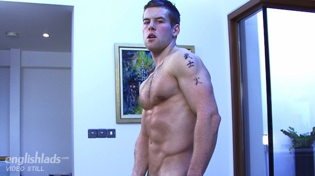 straight muscle guy wanking