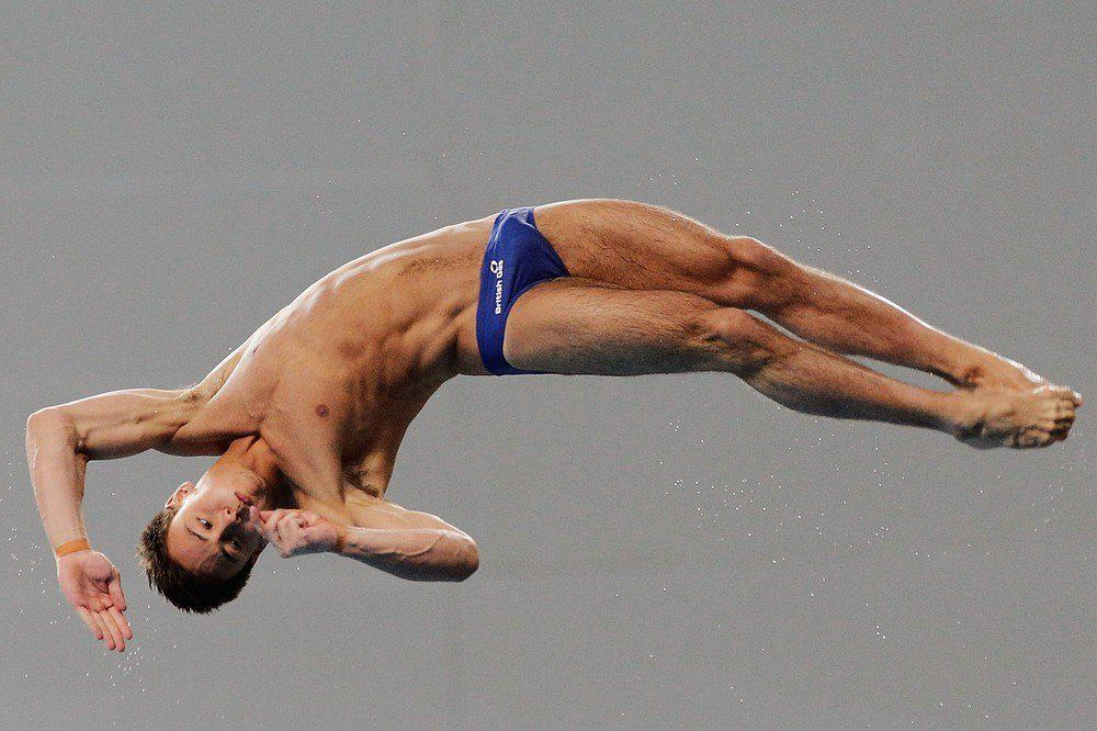 Tom Daley Diving Shirtless In Speedos March 2012
