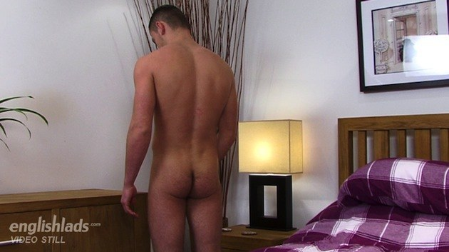 Uncut British Guy Tom King Stroking It At English Lads
