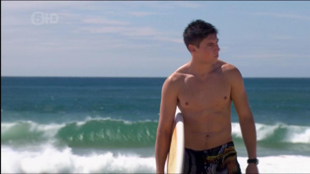 Lincoln Younes Shirtless Beach Screencaps