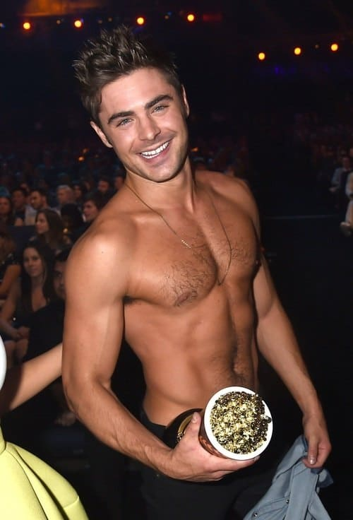 A Few HD Pics Of Zac Efron Winning Shirtless MTV Award image