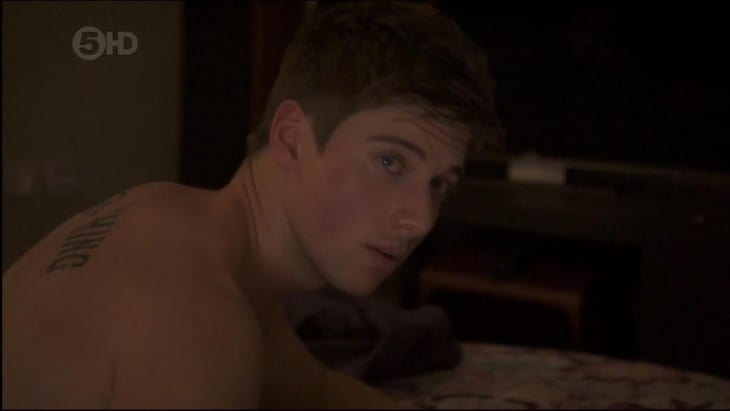"""Lincoln Younes Shirtless In Home and Away """"In London"""""""