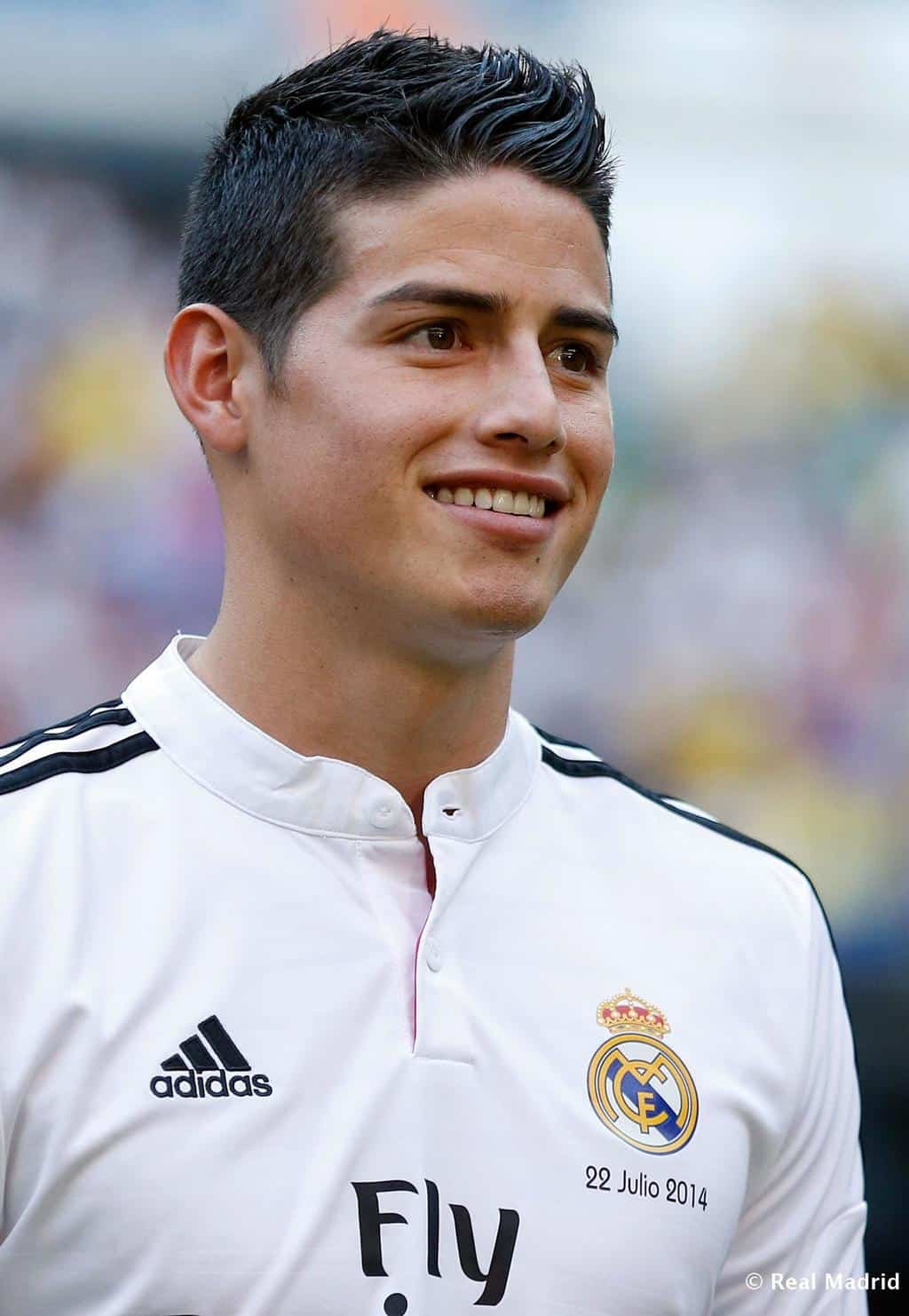 James Rodriguez Joins Real Madrid | Fit Males Shirtless And Naked