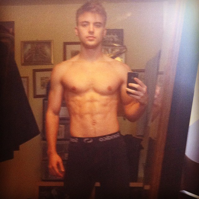 Hollyoaks Parry Glasspool Shirtless Selfie Mix