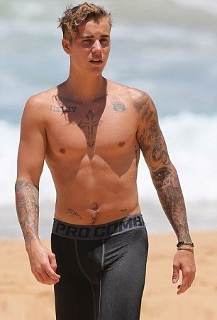Justin Bieber Shirtless On Beach image