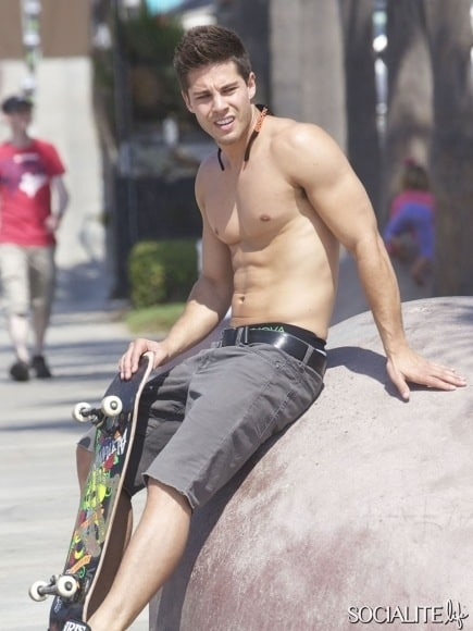 Dean Geyer Shirtless On Skateboard image