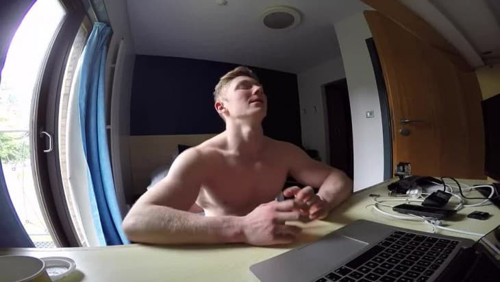 Muscle Lad Nile Wilson Shirtless