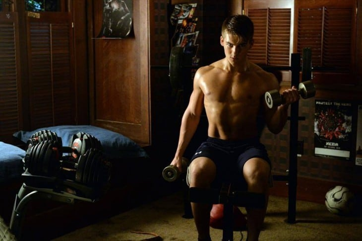Cody Christian Shirtless As Mike Montgomery In Pretty Little Liars image