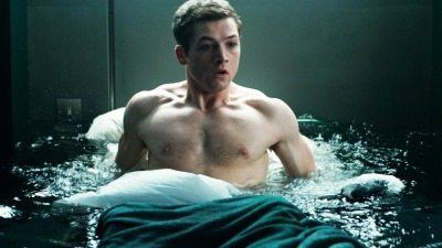Taron-Egerton-shirtless-sexy-body2