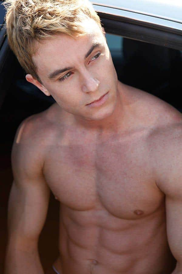 Ryan Kelley Shirtless Photos image