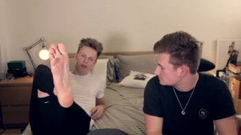 Caspar Lee Naked, Shirtless & Barefoot