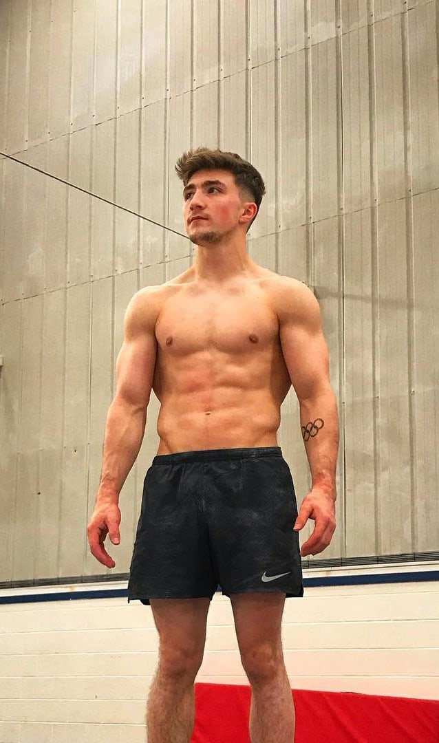 Sam Oldham Shirtless 2018