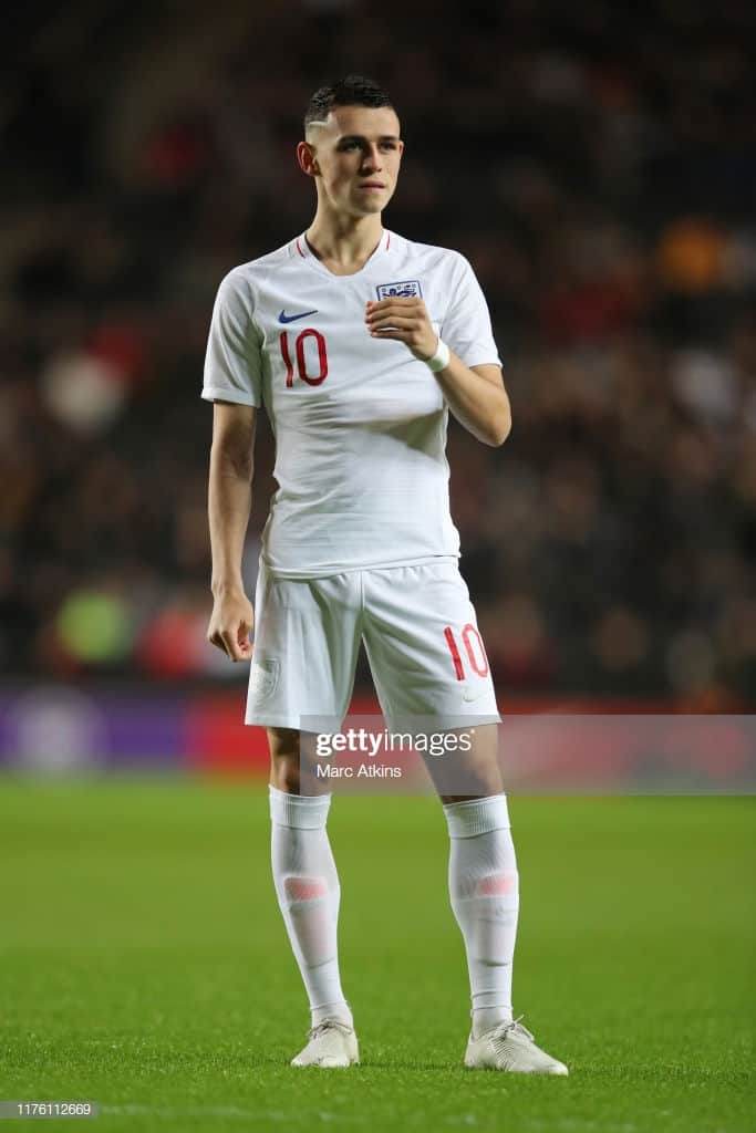 phil foden bulging in england kit
