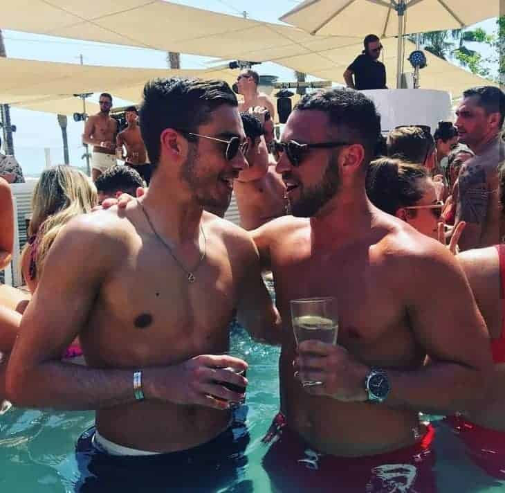 harry winks holiday pool party